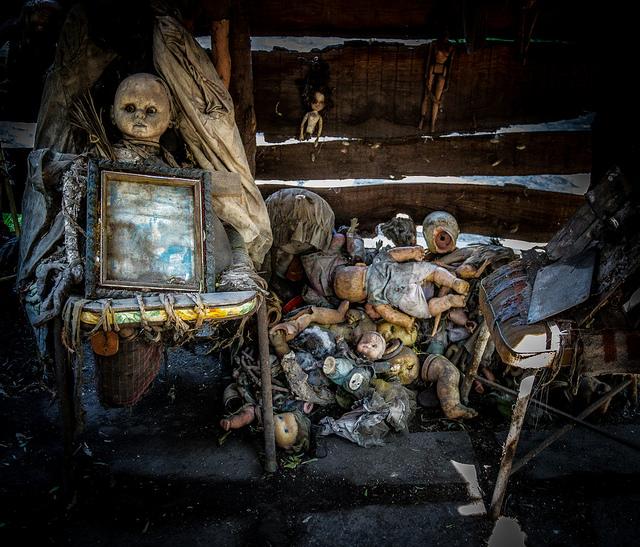 14 Creepy Haunted Houses
